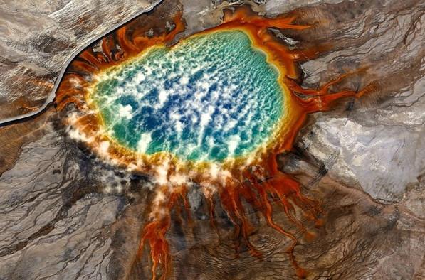 Hồ đa sắc Grand Prismatic Spring ở Hoa Kỳ. (Tác giả: Jassen T).