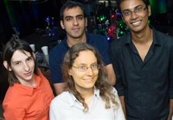 Nhóm nghiên cứu do Isabell Thomann (hàng đầu, đeo kính) làm trưởng nhóm.