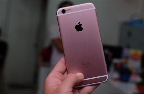 Cận cảnh iPhone 6S màu hồng đầu tiên tại TP.HCM - ảnh 3
