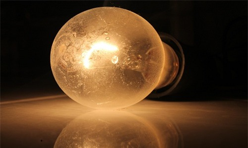 VNE-Lightbulb-4657-1444114588.jpg