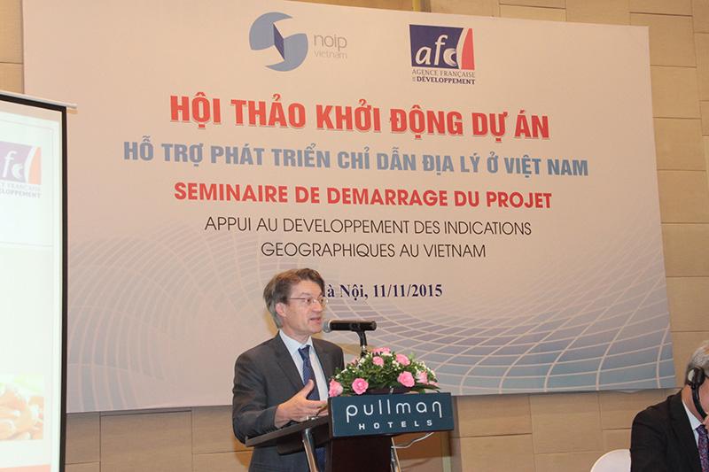 Đại diện Cơ quan Phát triển tại Pháp, Ông Bruno Vindel – Phụ trách Quỹ Tăng cường năng lực thương mại phát biểu tại Hội thảo.