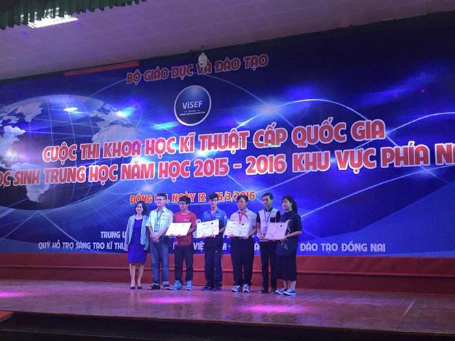 Lễ trao giải cho học sinh đoạt giải trong cuộc thi Khoa học kỹ thuật cấp quốc gia cho học sinh trung học năm học 2015-2016 khu vực phía nam