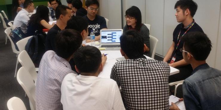 Các thành viên trong team Việt Nam cùng các chuyên gia Google bàn luận về chủ đề: User acquisition trong khuôn khổ ngày thứ 2 của sự kiện.