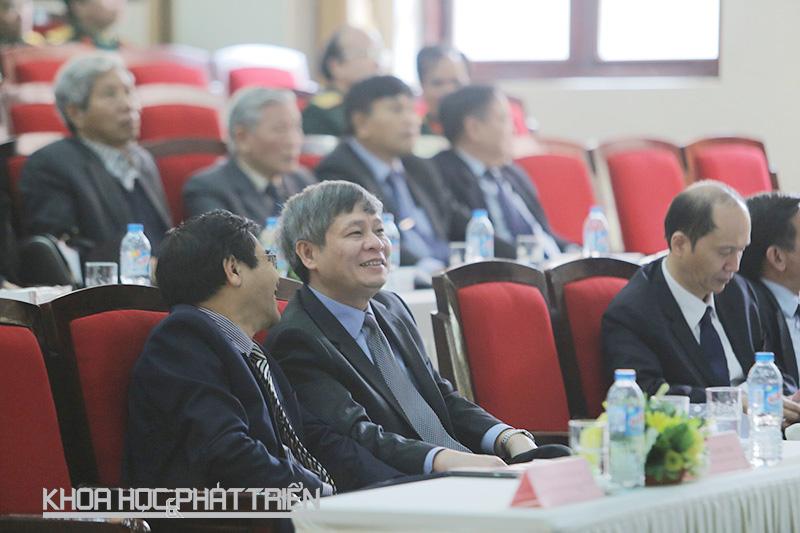 Thứ trưởng Bộ KH&CN Phạm Công Tạc tại Hội nghị tổng kết Chương trình KC.10 về lĩnh vực y dược. Ảnh: Lê Loan