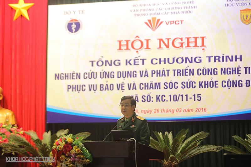 THiếu tướng, GS-TS Đỗ Quyết - Giám đốc Học viện Quân y - phát biểu tại hội nghị. Ảnh: Lê Loan