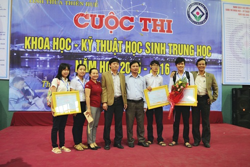 Sản phẩm găng tay thông minh Phong đã giành được nhiều giải thưởng cấp tỉnh và cấp Quốc gia.