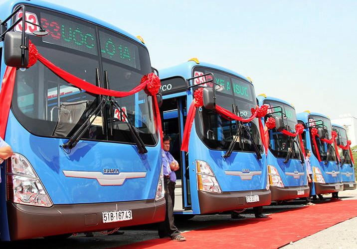 Xe buýt CNG không làm phát sinh nhiều khí độc và hầu như không phát sinh bụi. Ảnh: LTT