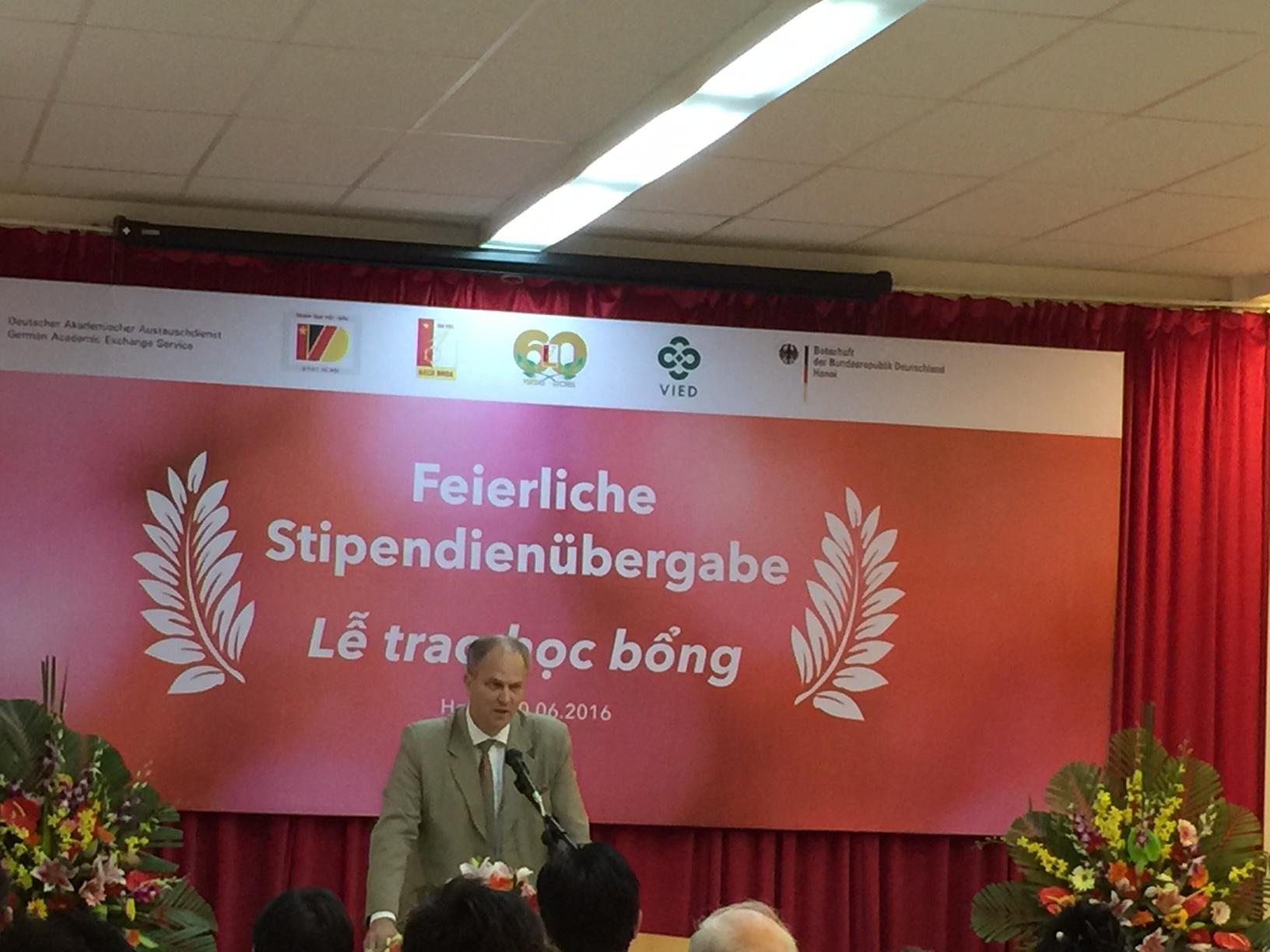 Đại sứ Đức tại Việt Nam Christian Berger phát biểu tại lễ trao học bổng.