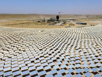Tháp năng lượng mặt trời cao nhất thế giới được xây dựng ở sa mạc Negev, miền Nam Israel.