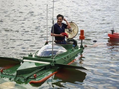 Ông Nguyễn Quốc Hòa và tàu ngầm Hoàng Sa
