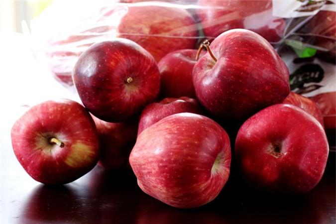 Bản thân quả táo cũng đã có một lớp sáp bảo vệ tự nhiên.