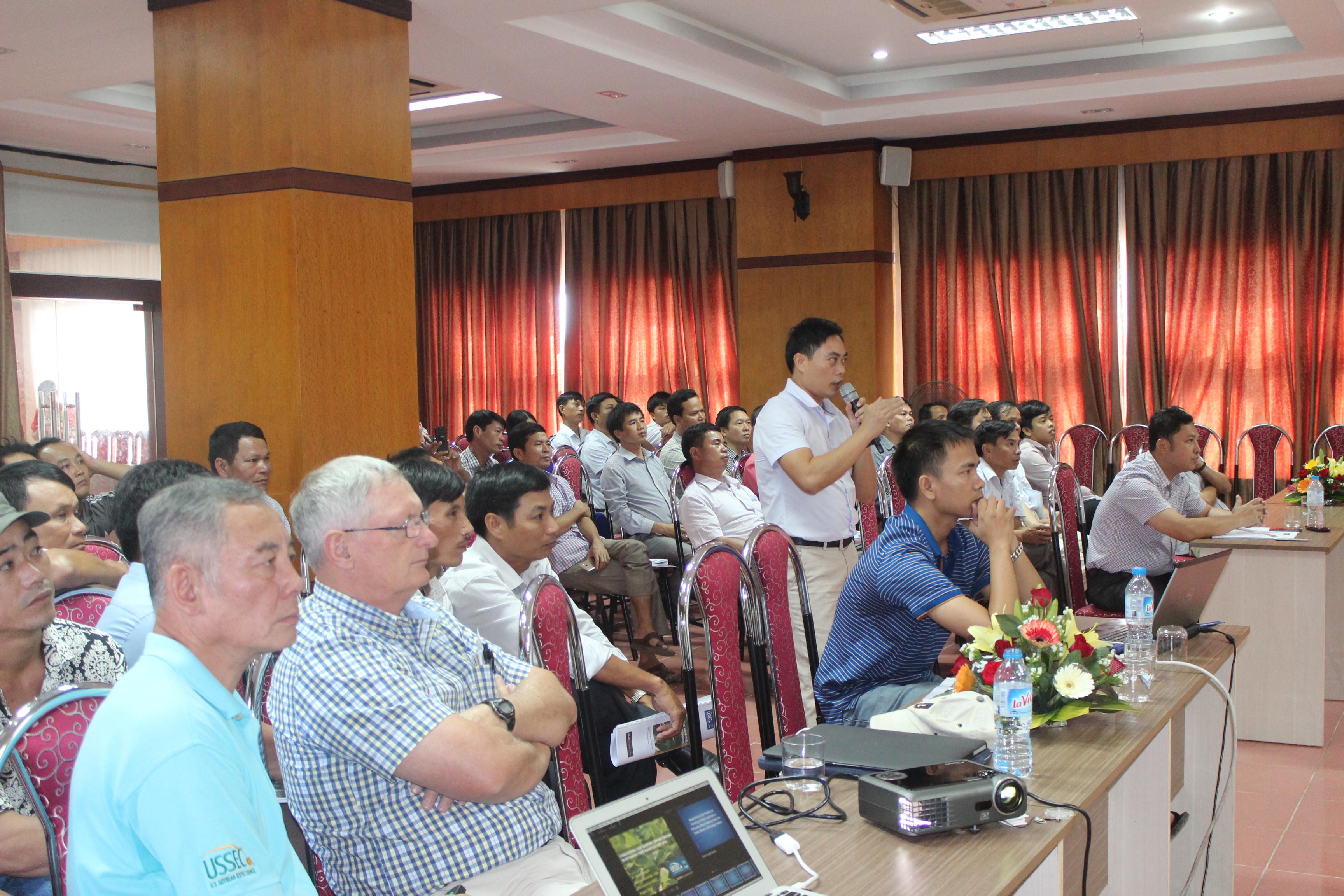 ThS Chu Chí Thiết - Phân viện trưởng Phân viện Nuôi trồng thủy sản BTB trình bày tại Hội thảo