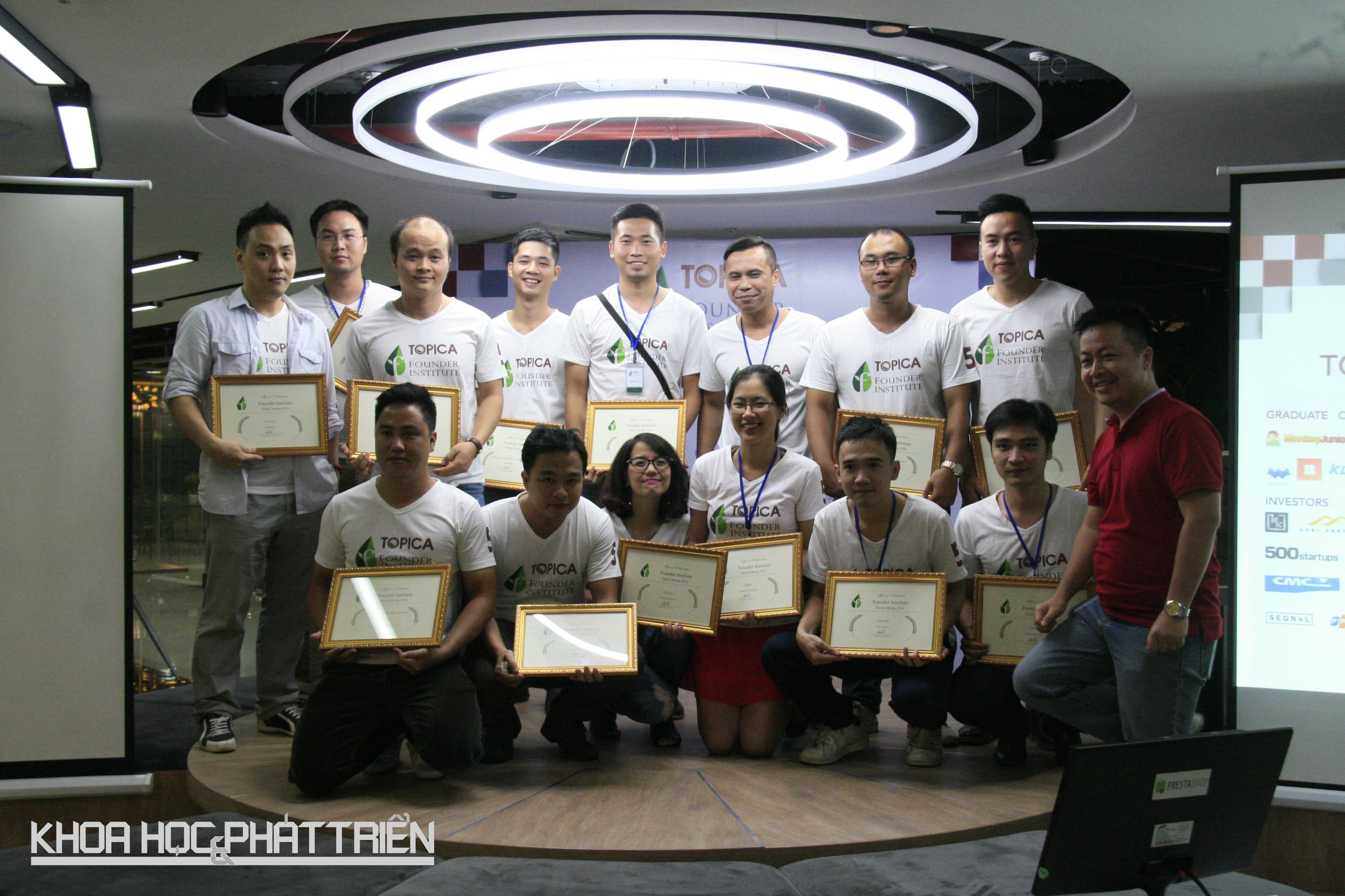 14 startup TFI khóa 5 Việt Nam nhận chứng chỉ tốt nghiệp