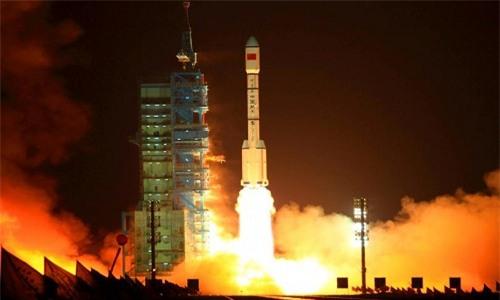 Trạm Thiên Cung 2 phóng vào vũ trụ hôm 15/9 từ sa mạc Gobi. Ảnh: AFP