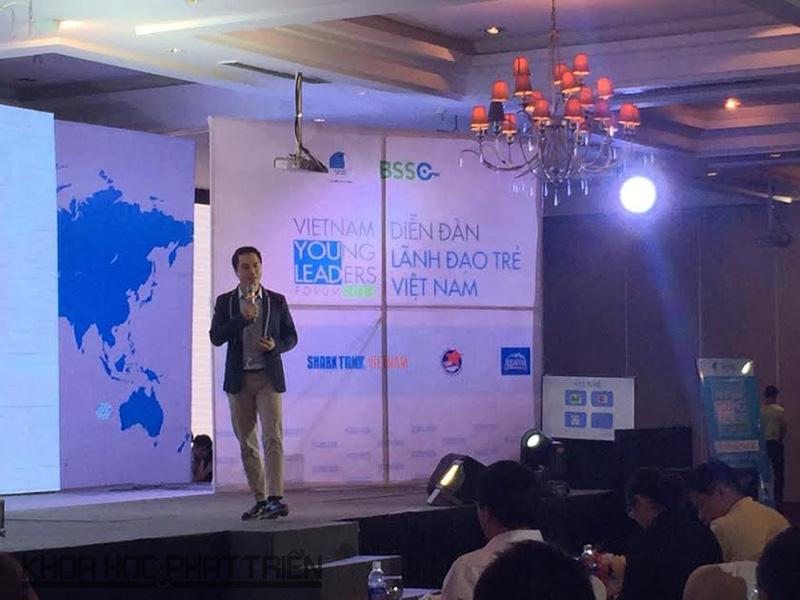 Ông Hứa Cao Trí chia sẻ kinh nghiệm khởi nghiệp với các bạn trẻ tại VYLF 2016