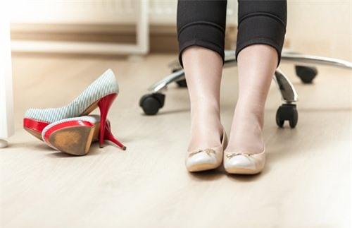 Bí quyết giúp giảm đau do giãn tĩnh mạch chân