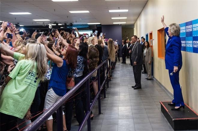Khoảnh khắc selfie ấn tượng nhất năm 2016