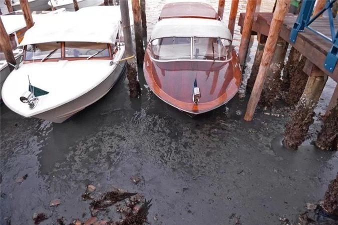 Năm nay mực nước ở Venice thấp hơn 70cm so với mức trung bình.