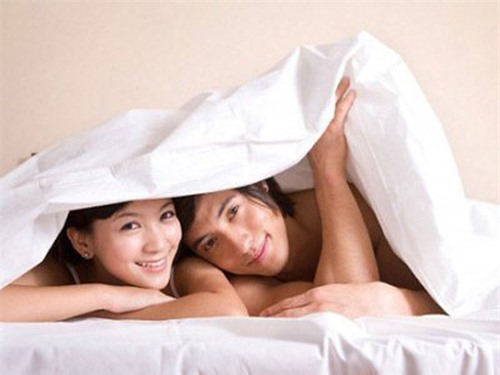 """7 tác dụng tuyệt vời của việc """"quan hệ"""" vào buổi sáng - 1"""