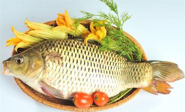ăn cá cải thiện chứng khô mắt