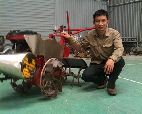 nong-dan-8x-che-tao-may-nong-nghiep-15-chuc-nang