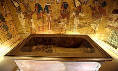 Ai Cập sắp tiến hành cuộc thăm dò quy mô toàn diện nhất nhằm tìm kiếm phòng chứa bí mật trong mộ pharaoh Tutankhamun. Ảnh: Reuters.