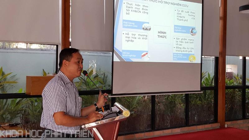 Ông Phạm Văn Xu giới thiệu Chương trình NCKH và Phát triển công nghệ TP.HCM giai đoạn 2016 - 2020