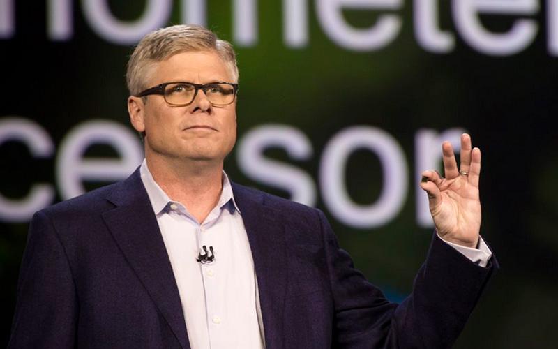 Ông Stephen Mollenkopf - CEO Qualcomm giới thiệu về chip mới của hãng.