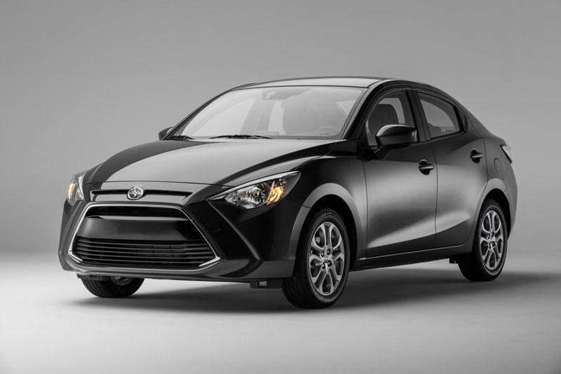 Xe mini tốt nhất: Toyota Yaris iA.