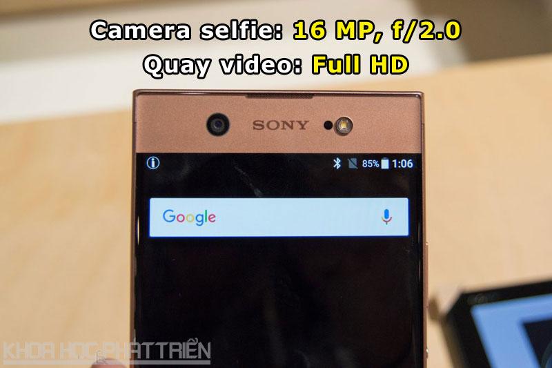 Camera selfie cũng được trang bị đèn flash LED.