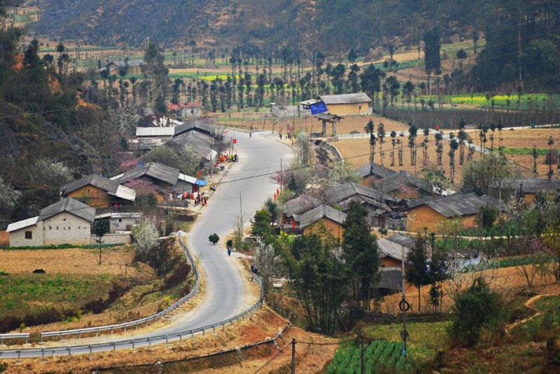 Việc cao nguyên đá Đồng Văn trở thành Công viên Địa chất toàn cầu là rất ý nghĩa đối với các dân tộc tỉnh Hà Giang. Ảnh: Nam Chấy.