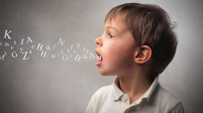 Trẻ tự kỷ thường chậm nói. Ảnh minh họa.