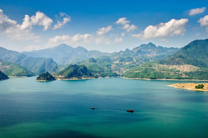 Xã trực thuộc huyện Mai Châu của tỉnh Hòa Bình. Ảnh: Hachi8.