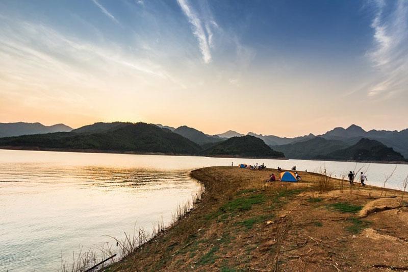 """Rất nhiều bạn trẻ chọn Ba Khan làm địa điểm """"sống ảo"""". Ảnh: Haidang_photo."""