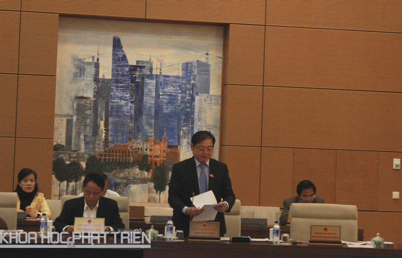 Ông Phan Xuân Dũng báo cáo Ủy ban Thường vụ Quốc hội về dự thảo Luật chuyển giao công nghệ (sửa đổi)