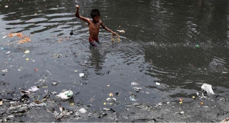 Nước bẩn là nơi chứa nhiều Amip. Ảnh minh họa.