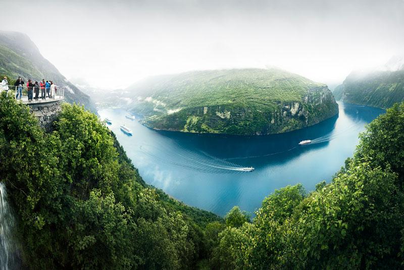 Chỗ sâu nhất của vịnh hẹp này là 233m, quãng ở phía Tây nông trại Syltevik.