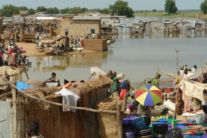6. N'Djamena. Là Thủ đô và thành phố lớn nhất nước Tchad. N'Djamena phải hứng chịu kết quả nặng nề của những trận đánh bom tự sát của tổ chức hồi giáo cực đoan Boko Haram.
