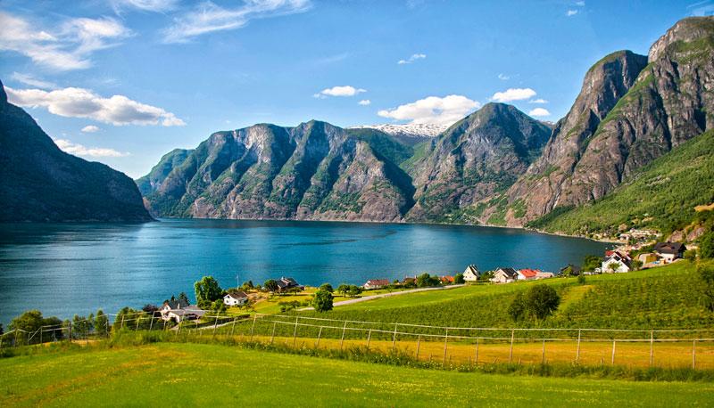 Vào năm 2005, vịnh hẹp Geirangerfjord đã được UNESCO công nhận là di sản thế giới.