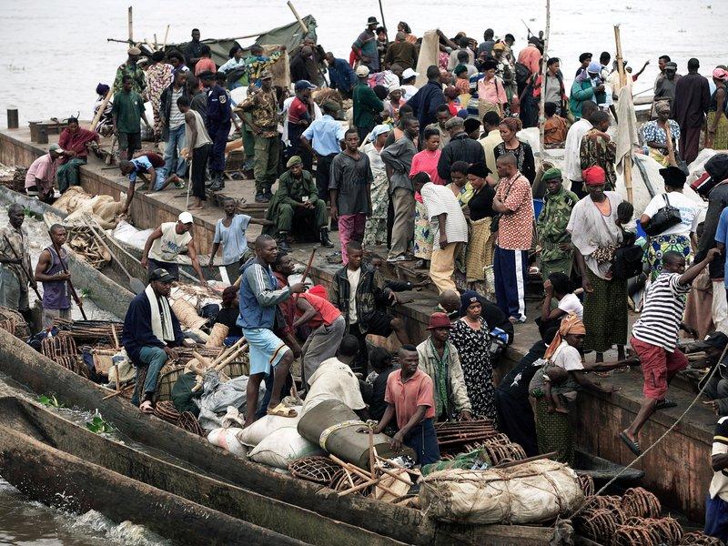 9. Kinshasa. Thủ đô và là thành phố lớn nhất của Cộng hòa Dân chủ Congo. Tuy là thành phố phát triển nhất của quốc gia Trung Phi này, nhưng Kinshasa thường xuyên phải gánh chịu xung đột sắc tộc.