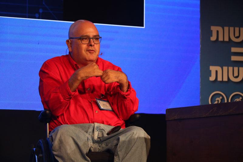 Ông Yuval Wagner - Chủ tịch kiêm sáng lập viên của Tổ chức Access Israel chia sẻ tại hội nghị.