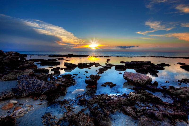 Bonaire nằm ở hòn đảo phía Đông của Trung Mỹ và phía Bắc của Venezuela.