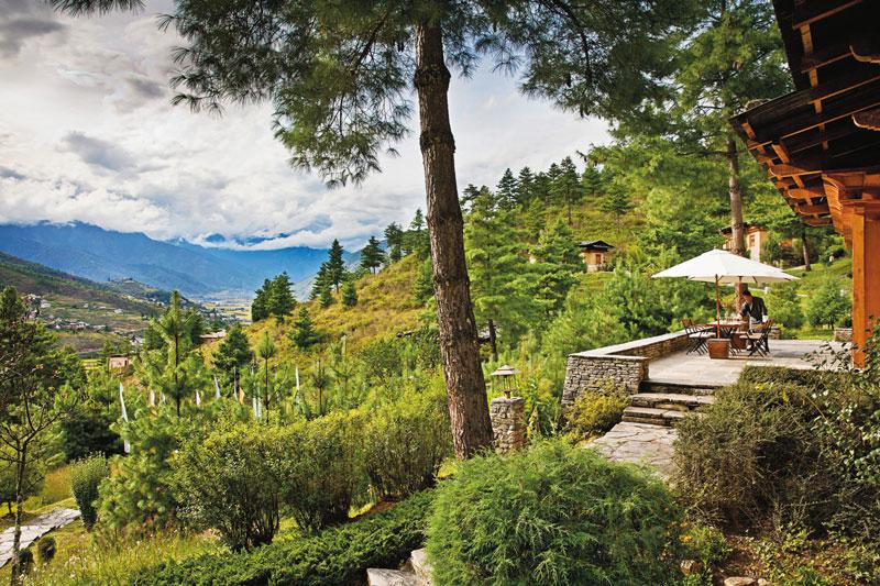 Đến Bhutan, du khách không chỉ mãn nhãn với phong cảnh tuyệt đẹp mà còn tiếp xúc nền văn hóa nửa hiện đại, nửa cổ kính.