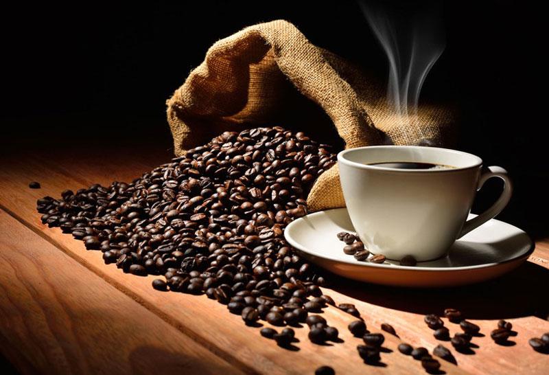3. Cà phê Java Arabica. Giống cà phê Arabica được trồng ở độ cao 1.400m ở phía Đông núi lửa Ijen, đảo Java (Indonesia). Mùi vị của loại cà phê này có độ chua trung bình với hương vị mộc mạc và dư vị kéo dài.