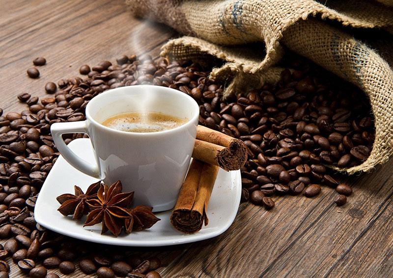 4. Cà phê Sumatra Mandheling. Loại cà phê này được trồng ở thành phố Lâm Đồng, Tây An (Trung Quốc), phía Bắc đảo Sumatra (Indonesia). Cà phê Sumatra Mandheling có độ axit thấp với hương vị ngọt ngào, thơm ngon.
