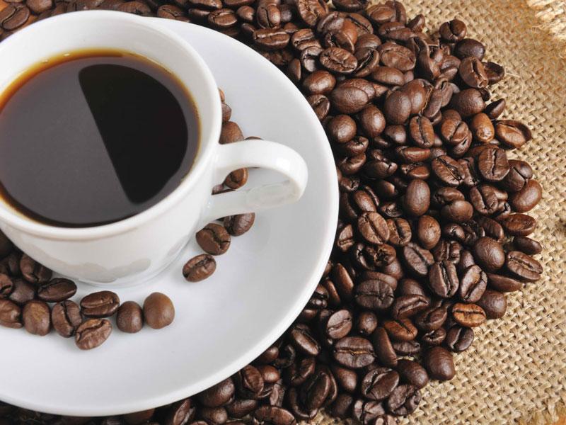 5. Cà phê Sulawesi Toraja. Được trồng ở vùng cao nguyên phía Đông Nam đảo Sulawesi (Indonesia). Loại cà phê này có vị hơi chua, hương vị phong phú và cân bằng với hương vị của sôcôla đen và trái cây chín.