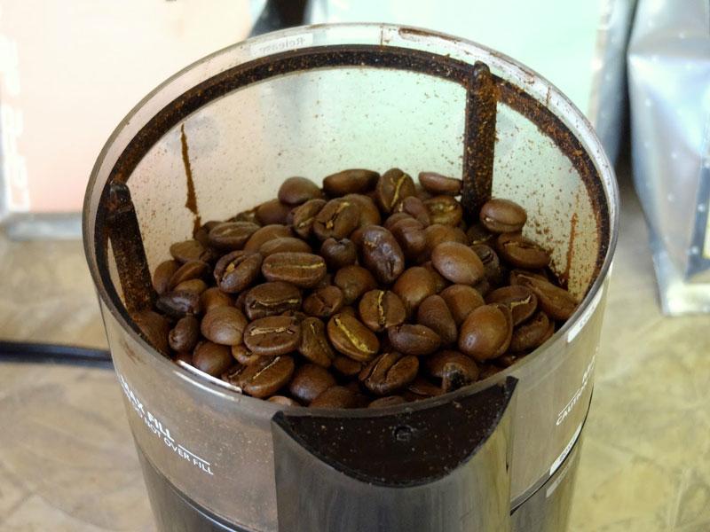 9. Cà phê Guatemalan Antigua. Là loại cà phê cao cấp được trồng ở độ cao 160m so với mực nước biển. Loại cà phê này có vị đắng đậm với mùi hương dễ chịu.