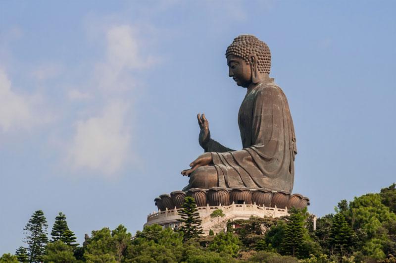 5. Tượng Phật Thiên Đàn (Phật lớn). Là bức tượng đồng lớn của Đức Phật Thích Ca Mâu Ni, hoàn thành vào năm 1993. Tượng Phật này được đặt tại Ngong Ping, đảo Lantau, Hồng Kông. Đây là trung tâm lớn của Phật giáo tại Hồng Kông và cũng là một điểm thu hút du lịch nổi tiếng.