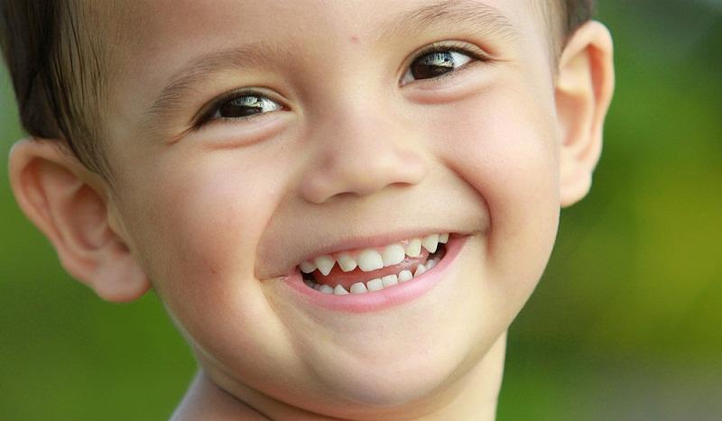 Thành phần canxi cao trong sữa tươi còn giúp răng luôn chắc khỏe. Sữa còn giúp ngừa sâu răng và các bệnh răng miệng khác. Ảnh minh họa.