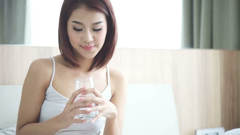 Sữa tươi đem lại một làn da mịn màng, trắng sáng khi bạn sử dụng qua đường uống hoặc làm trực tiếp trên da. Ảnh minh họa.